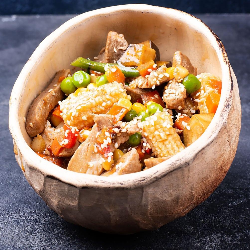 Свинина с овощами по тайски